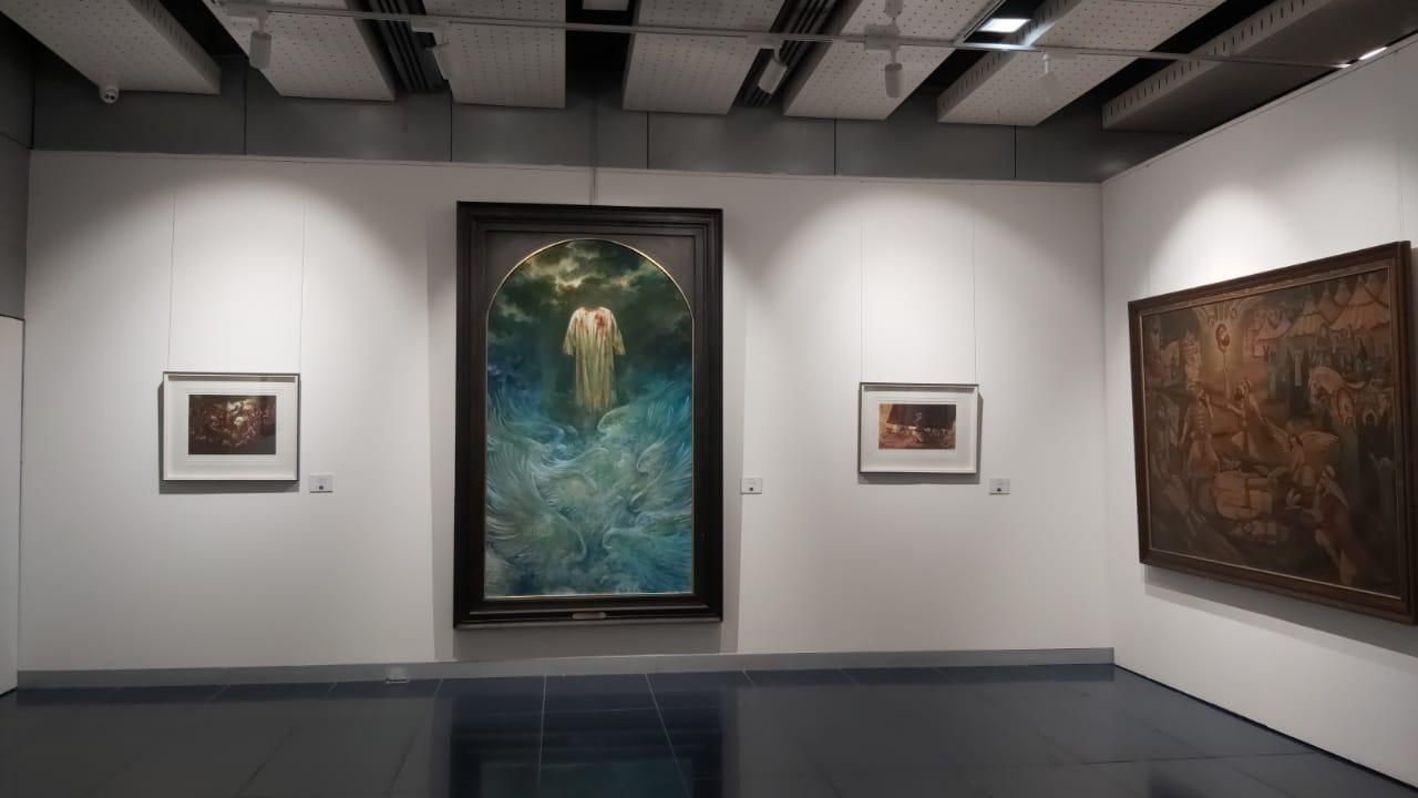رایت الحق و دو اثر دیگر حسن روح الامین در نمایشگاه سفیر