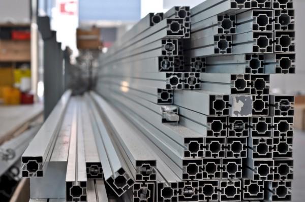 پروفیل آلومینیوم با ویژگی و خصوصیاتی دقیقا مناسب با صنایع مختلف