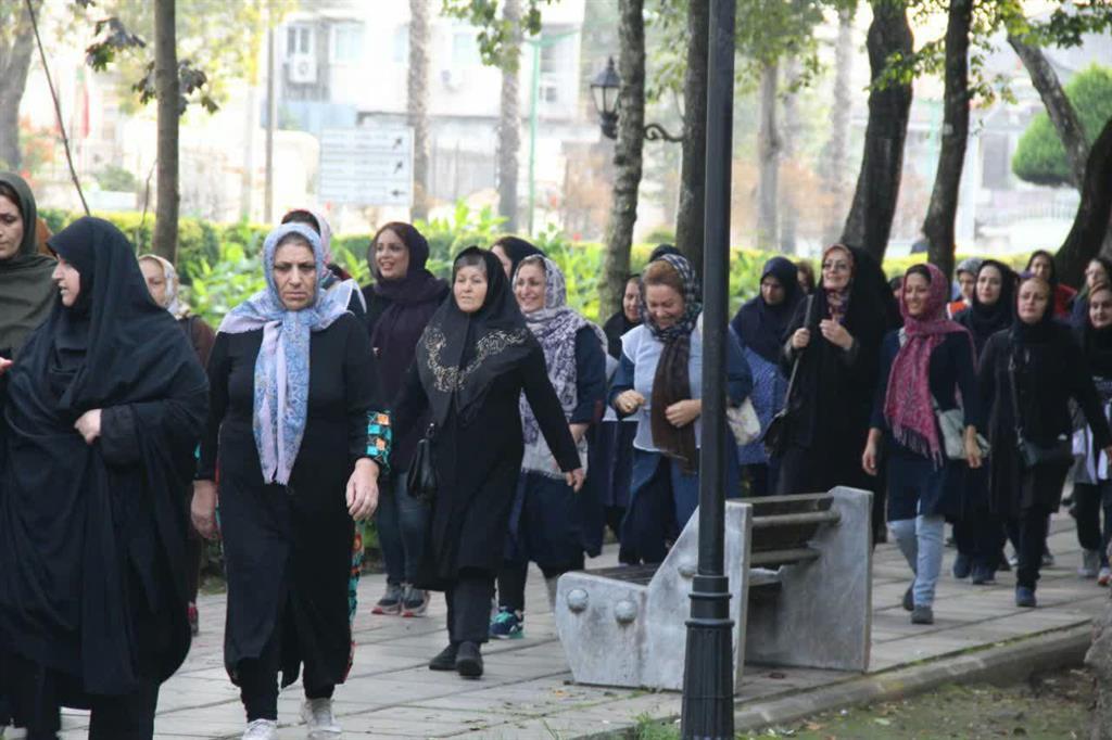همایش پیاده روی بانوان ادارات شهرستان رشت