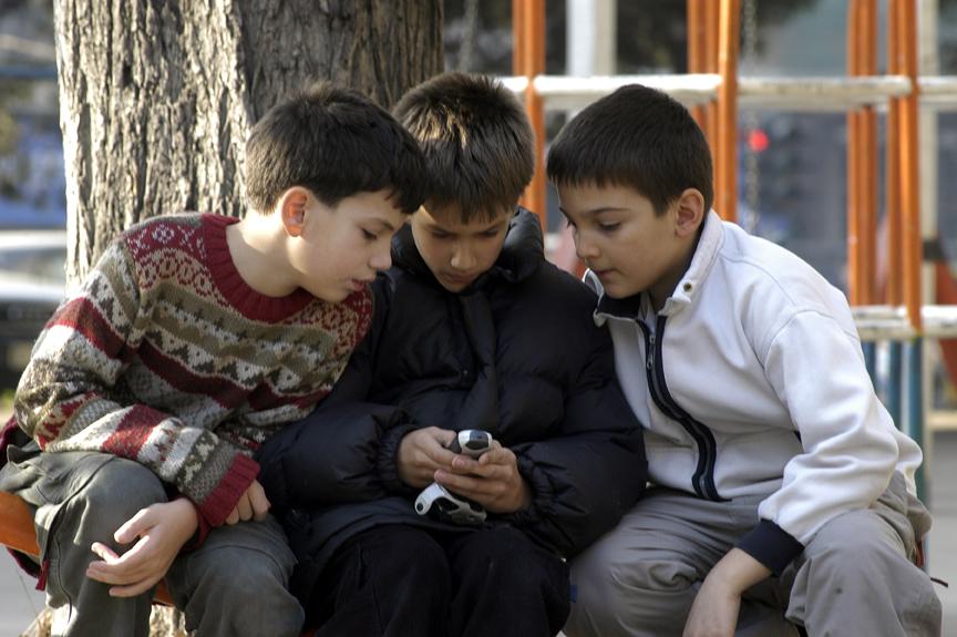 حمایت رسانه های بیگانه  از انتشار مسائل انحرافی در فضای مجازی
