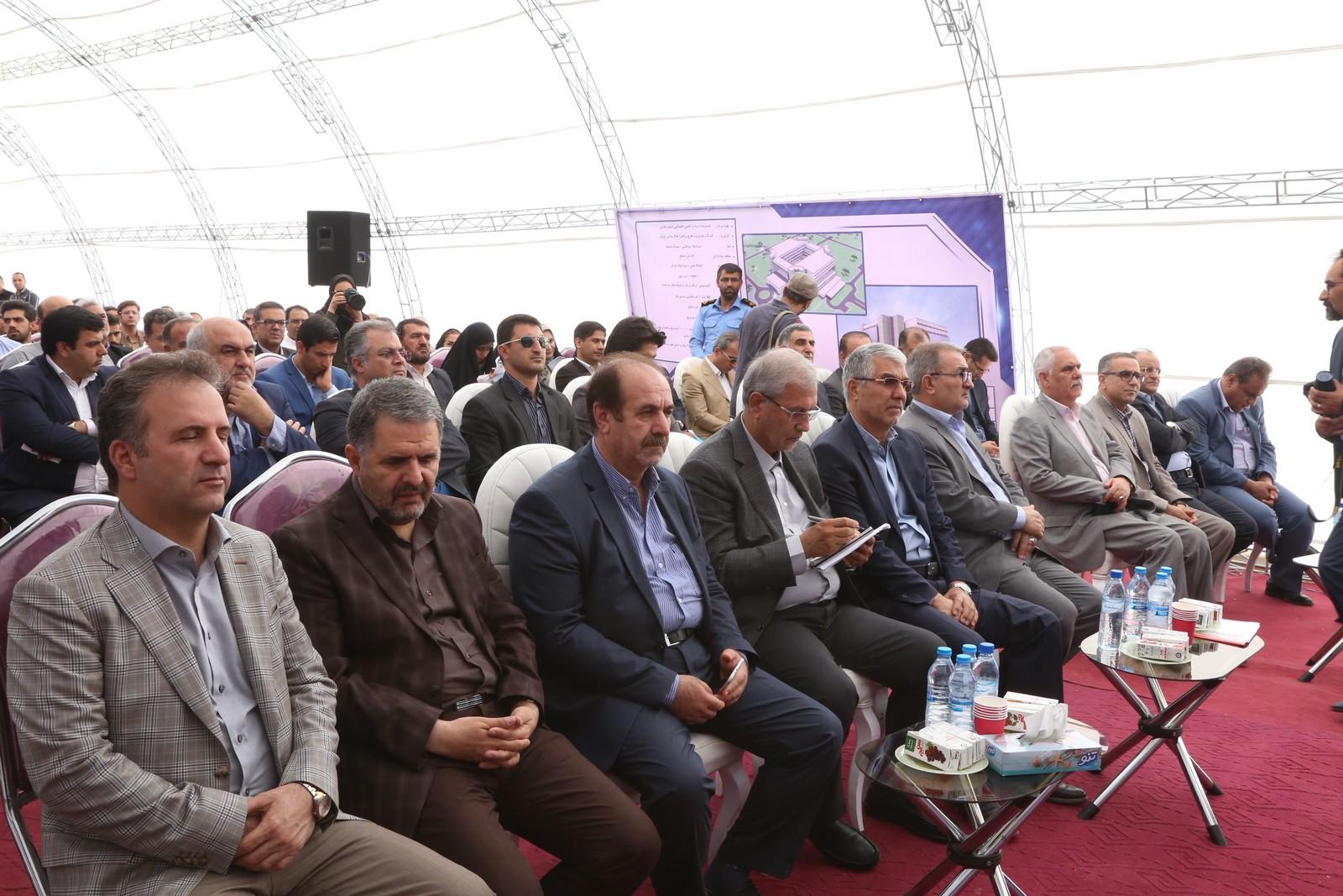 مراسم کلنگ زنی ساخت بیمارستان ۳۲۰ تختخوابی تأمین اجتماعی شیراز با حضور وزیر تعاون کار و رفاه اجتماعی و استاندار فارس