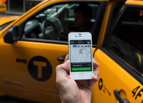 تاکسی آنلاین در کنار تاکسیهای گردشی و آژانسها