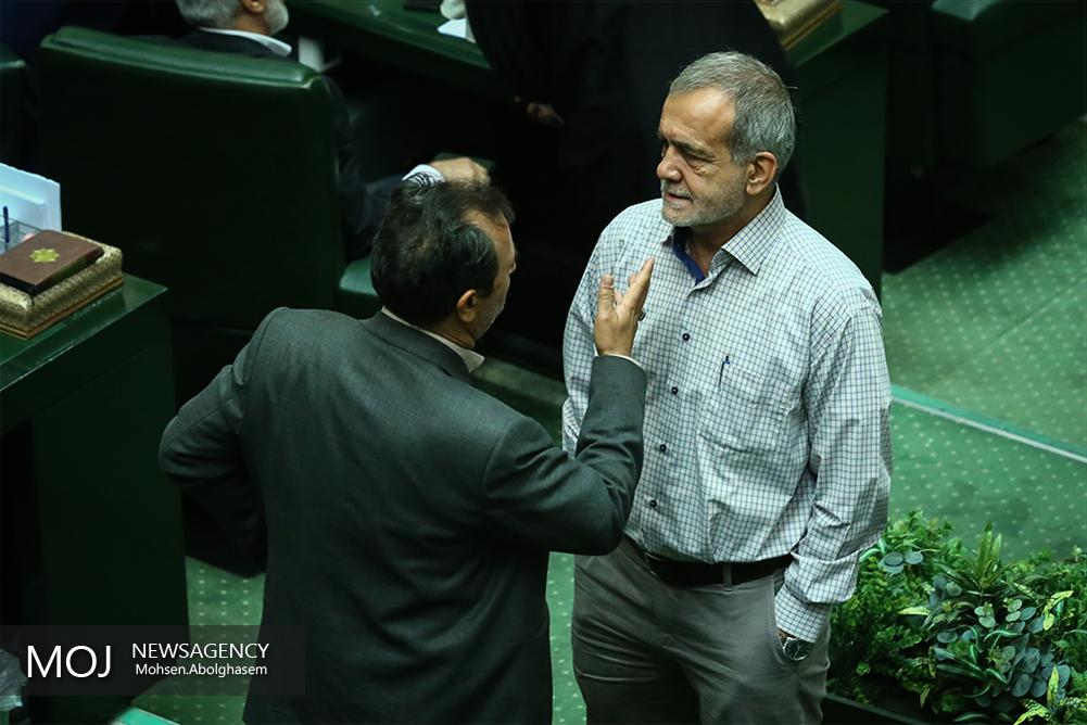 اختلاف در هیات رییسه مجلس
