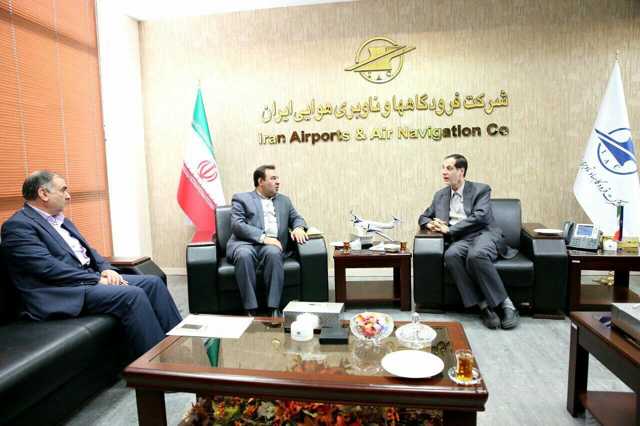 دیدار استاندار لرستان با رئیس فرودگاه های کشور