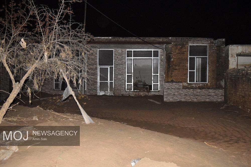 خانه تخریب شده در بابازید پلدختر