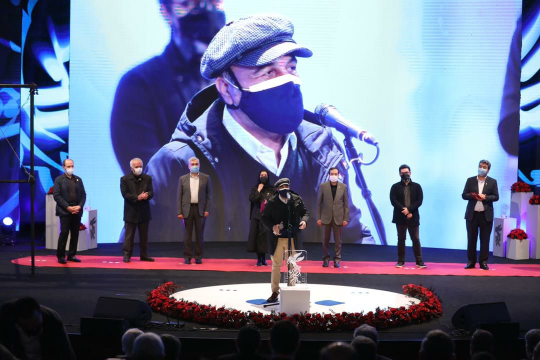 رضا عطاران در اختتامیه جشنواره فیلم فجر