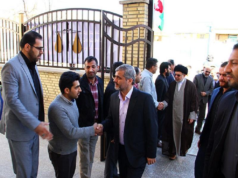بازدید سرزده رئیس کل دادگستری استان فارس از دادگاه عمومی بخش زرقان 1