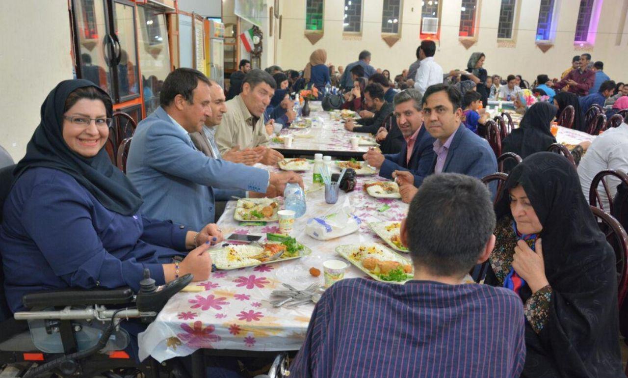 ضیافت افطاری در شهرضا