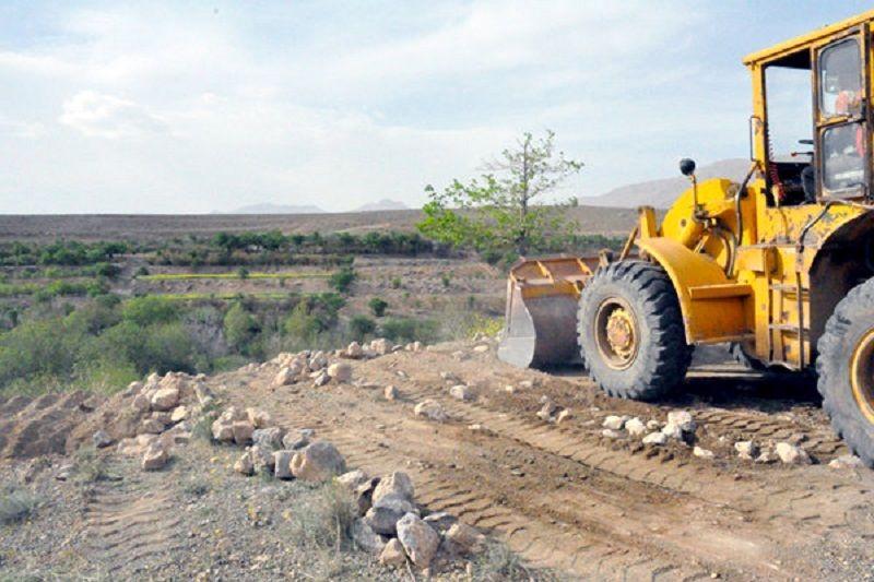 ۸ هزار و ۷۰۰ متر مربع از زمینهای ملی میناب رفع تصرف شدند