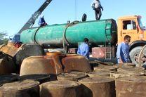 کشف 30 هزار لیتر فرآورده نفتی قاچاق در اصفهان/ دستگیری یک نفر توسط نیروی انتظامی