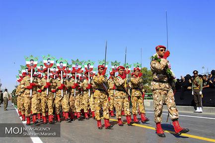مراسم رژه نیروهاى مسلح در اصفهان