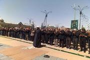 نماز ظهر عاشورا در پیاده راه میدان امام خمینی(ره) برگزار شد