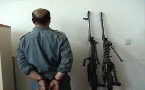 یک قاچاقچی اسلحه در خمینی شهر دستگیر شد
