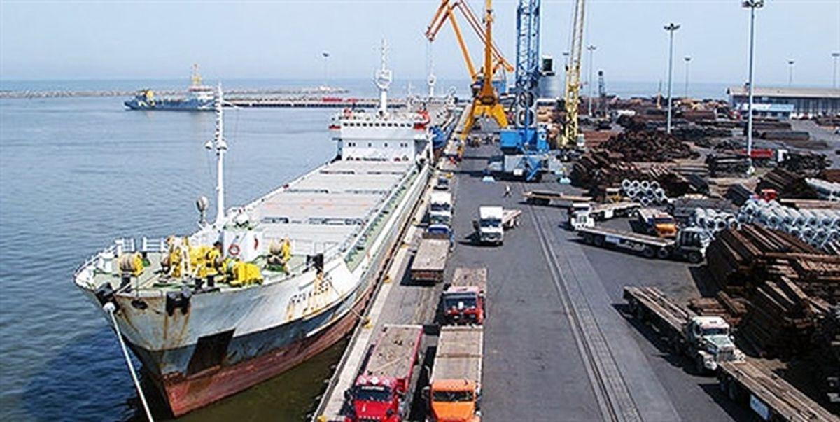 پهلوگیری دو کشتی حامل روغن خام خوراکی در بندر امیرآباد
