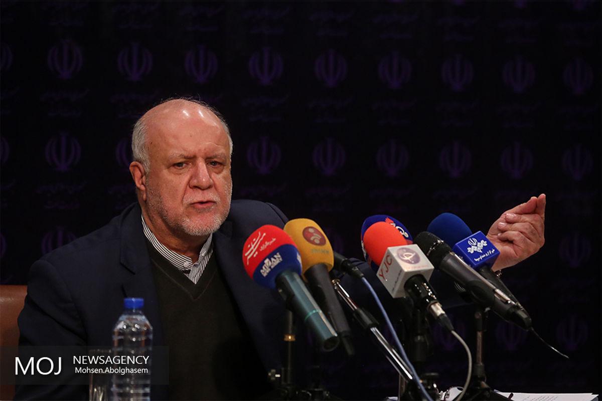 ایران در تولید محصولات پتروشیمی در منطقه یک قدرت است/  پول نفت باید صرف اقتصاد کشور شود