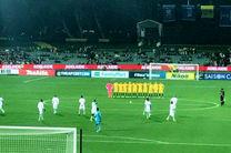 حرکت ناپسند بازیکنان عربستان در بازی با استرالیا/ حامیان تروریست از سکوت یک دقیقه ای هم دریغ کردند
