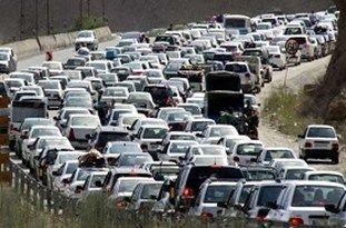 ترافیک سنگین در اتوبان تهران ـ کرج/ استقرار تیمهای پلیس در راههای مواصلاتی