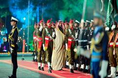 Saudi crown prince orders 2,100 Pakistani prisoners released
