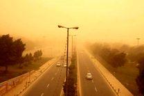 توده گرد و خاک از عراق به خوزستان در راه است
