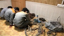 دستگیری باند 5 نفره سارقان سیم برق در برخوار / کشف 91 فقره سرقت سیم برق