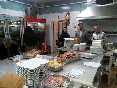 بیش از 170 کیلو انواع گوشت فاسد در رستوران های رشت معدوم شد