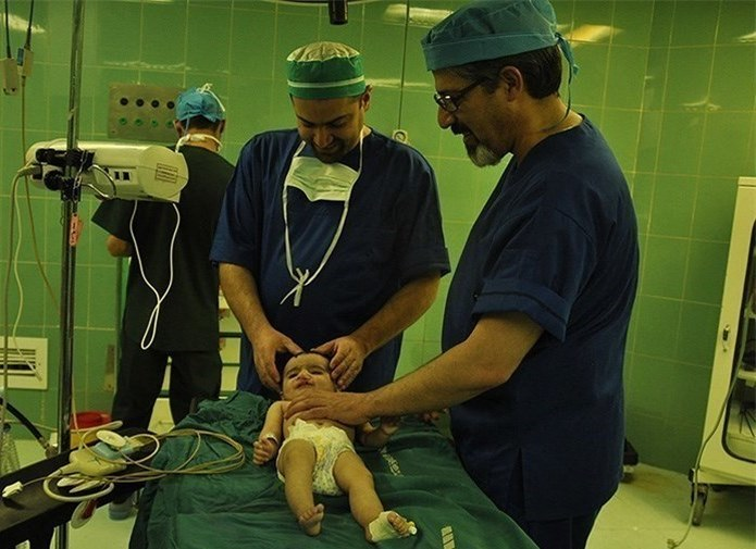 جراحی سه بیمار شکاف لب و کام در مرکز آموزشی درمانی کودکان امام حسین اصفهان