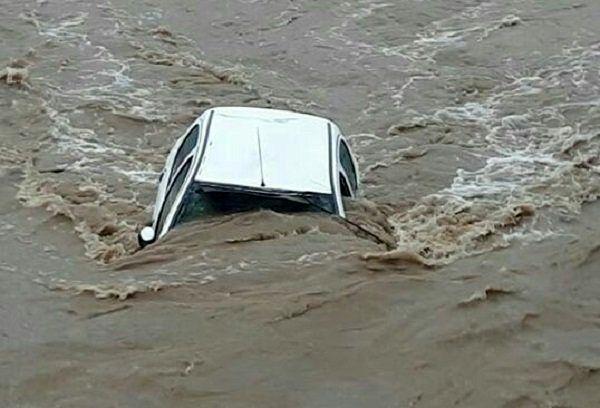 """مفقود شدن پنج نفر بر اثر سقوط در رودخانه """"حویق"""" در چالش"""