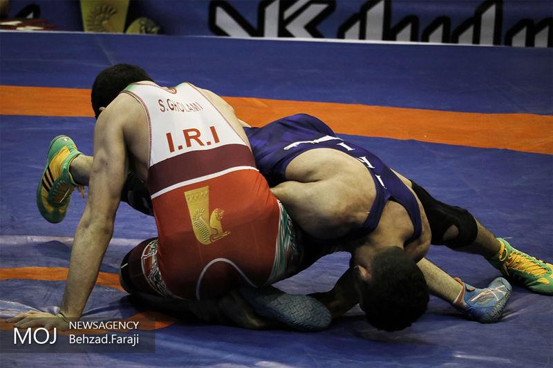 تلاش حسین خانی برای کسب مدال برنز جام دانکلوف