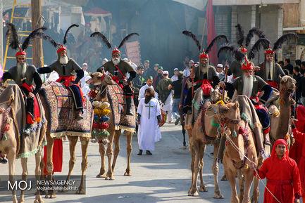 حرکت نمادین ورود کاروان امام حسین (ع) به کربلا در خمینی شهر اصفهان