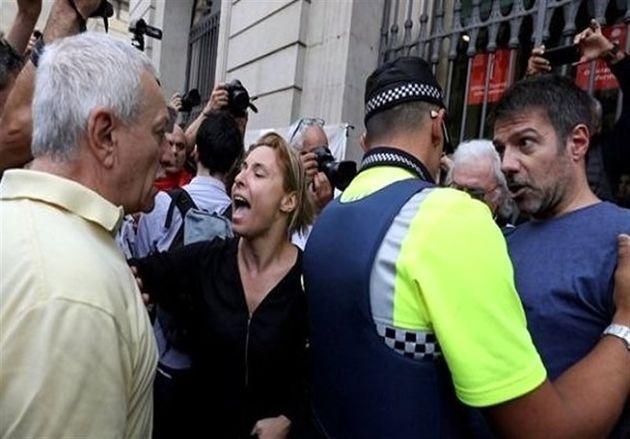 رهبر کاتالونیا تحت تدابیر شدید امنیتی در همه پرسی شرکت کرد