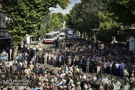 تشییع پیکر شهید مرزبان قانع کرم ویسه در سنندج