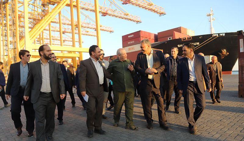 مشاور عالی فرمانده کل قوا از پیشرفته ترین بندر کانتینری ایران بازدید کرد