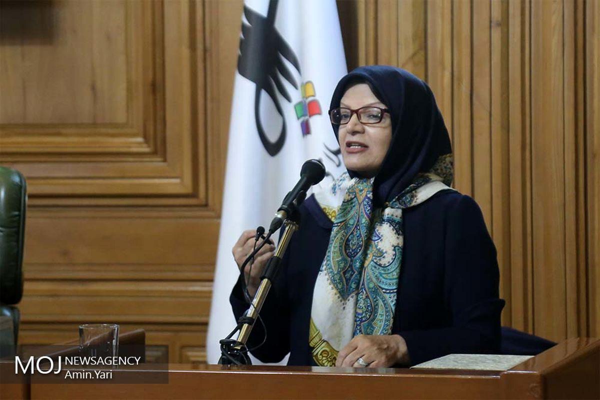 تذکر عضو شورای شهر تهران به حناچی درپی انتقال جمعه بازار پروانه