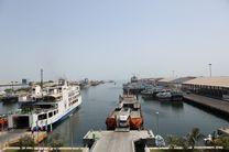 صادرات نفتی از بندر شهید باهنر 40 درصد افزایش یافت/ رشد 5درصدی ترابری مسافران دریایی