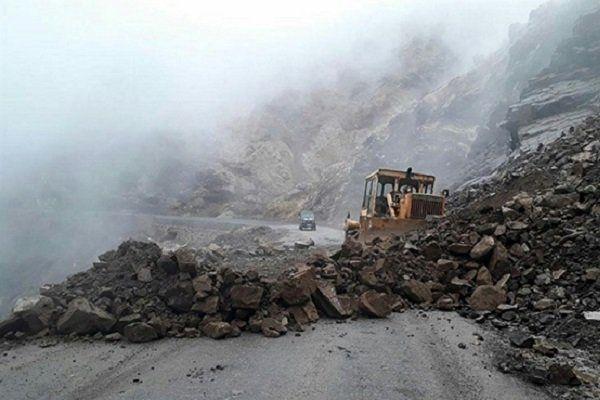 مسدود شدن محور پونل به خلخال بر اثر  ریزش کوه