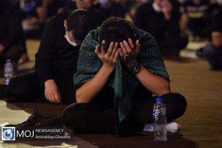 عزاداری شب ششم ماه محرم در میدان امام حسین (ع)