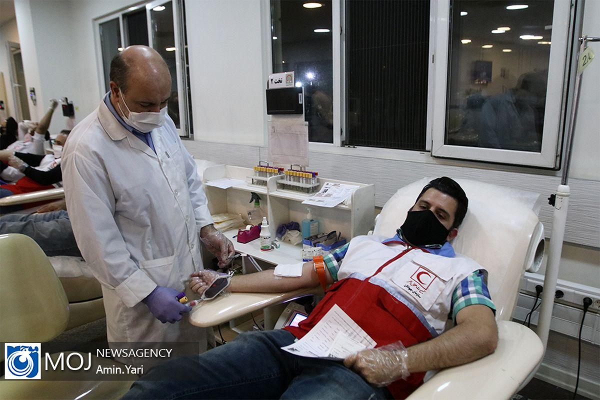 اهدای ۴۱۵ واحد خون توسط داوطلبان هلال احمر اصفهان