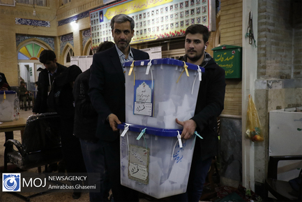 بازگشایی+صندوق+انتخابات+و+آغاز+شمارش+آرا+در+مسجد+لرزاده