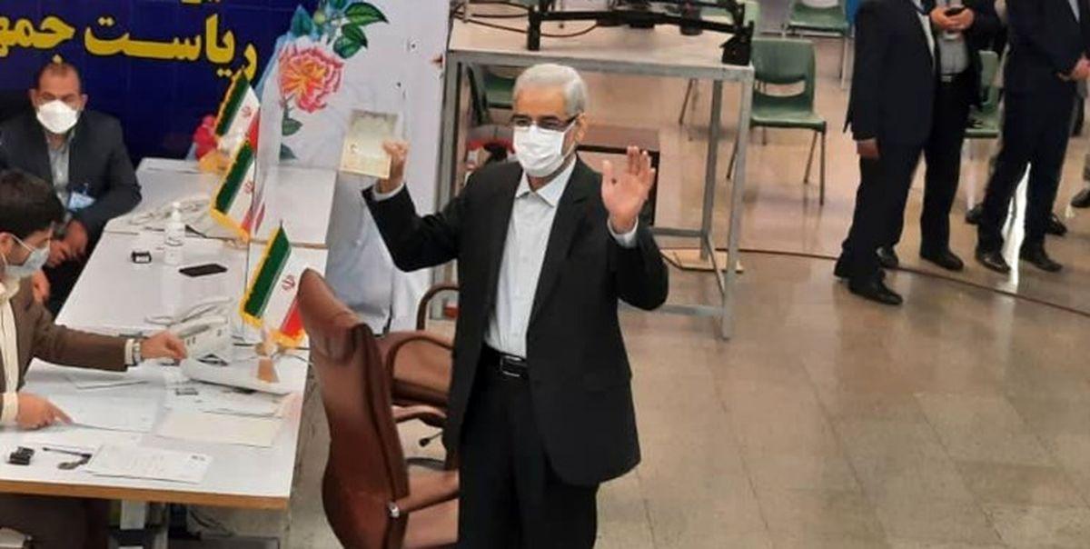 صادق خلیلیان برای انتخابات ریاست جمهوری ثبت نام کرد