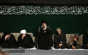 عزاداری شام غریبان حسینی (ع) با حضور مقام معظم رهبری