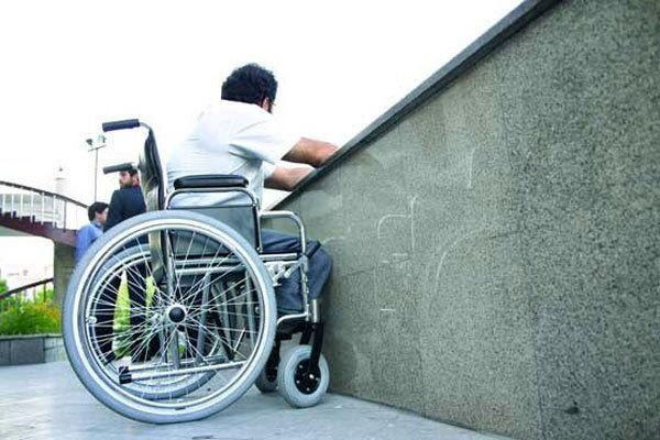 معلولان ویلچر سوار در حکم عابر پیاده محسوب میشوند