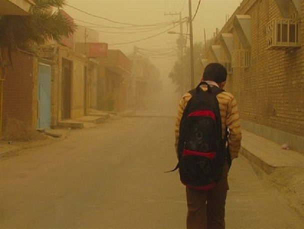 گرد و غبار مدارس 15 شهرستان خوزستان را تعطیل کرد