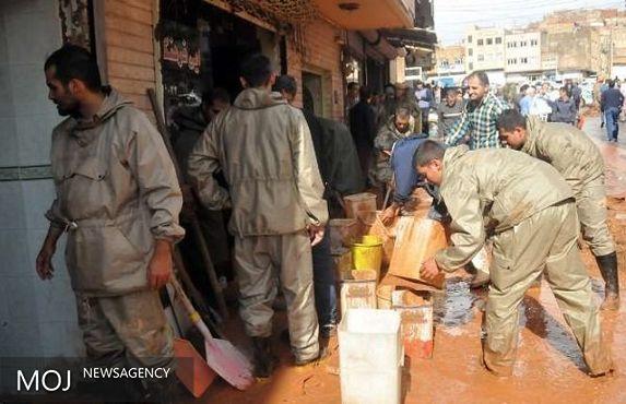 ارتش به کمک سیل زده های تبریز آمد