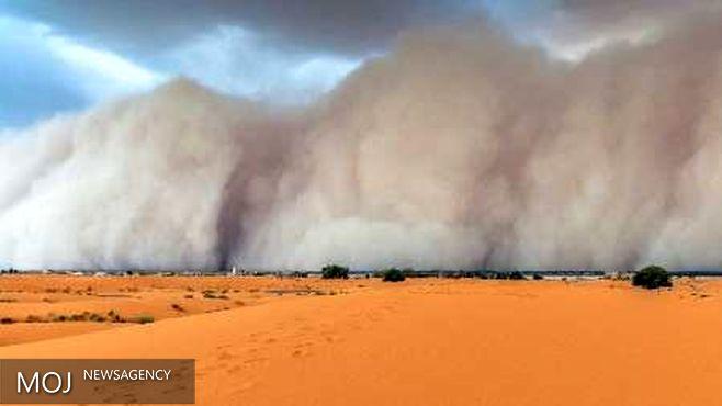 الکتریسیته ساکن موجب تشدید توفان شن در بیابان می شود