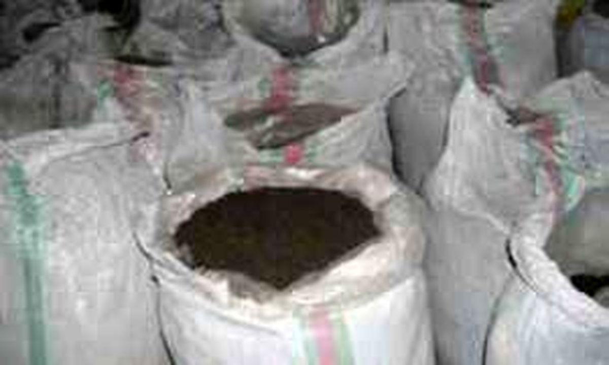 دستگیری باند سارقان محموله چای در اصفهان / کشف 32 گونی چای