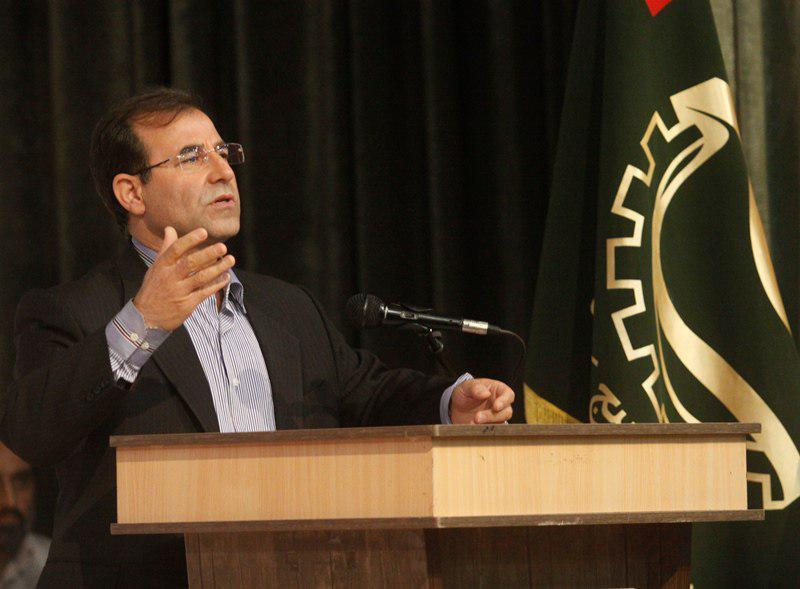 هر ساله بیش از یک میلیون نفر به جمعیت بیکار ایران اضافه میشود