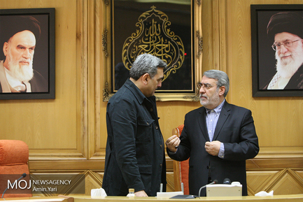 اعطای حکم شهردار جدید تهران توسط وزیر کشور