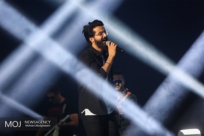 کنسرت هوروش بند اولین اجرای موسیقی پاپ در تهران رویال هال