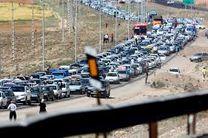 ترافیک محورهای فیروزکوه و هراز نیمه سنگین است