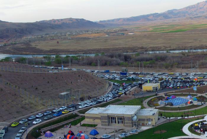 سیاست حفظ منابع گردشگران ایرانی در کشور/تدوین راهبرد جدید جذب گردشگر در مناطق آزاد